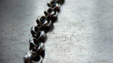 【ワイヤレスイヤホン】まだケーブルという鎖に縛られているあなたへ